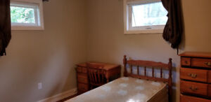 1 FURNISHED BEDROOM FOR RENT WEST HILL AREA