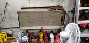 Natural gas heater direct vent