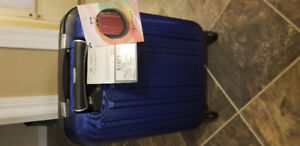 Brand new Eminent Luggage ( never used )