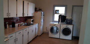 Newly renoed 2bdr uptown. Offstreet parking. Landlord on site