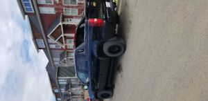 2012 Chevy Avalanche *Low KMS*