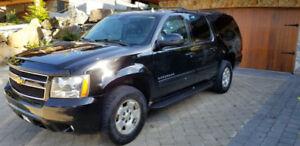 2012 Chevrolet Suburban LT 4 x 4 loaded