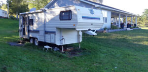 Fifth 5th wheel Prowler trailer for sale 24.5 ft