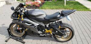 BMW for Superb Low Mileage 2014 Yamaha R6 + $$$$$