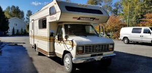 Travelaire Ford E350 Motorhome