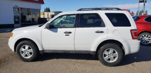 2012 Ford Escape XLT * FWD * Winter tires * SYNC * Fog lights *