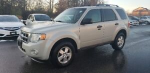 2009 Ford Escape XLT FWD *** SUNROOF, BLUETOOTH, HTD STS ***