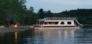 MYACHT HOUSEBOAT 48FT