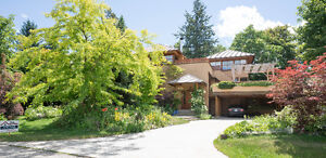 Magnificent lake view home in Salmon Arm