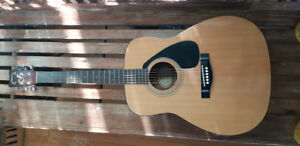 Acoustic Guitar  - Yamaha FG - 401 -Great for Beginners