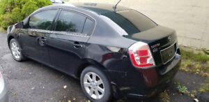 2009 Sentra. Auto. Ac .174000km. POWER doors and windows