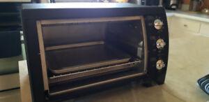 Toaster Oven - Black & Decker