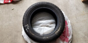 1 Winter tire 185 60 15 in good condition for 20$
