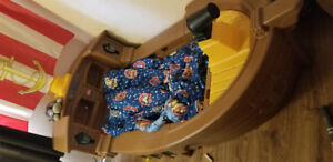 LITTLE  TIKES PIRATE SHIP TOODLER BED