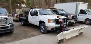 2007 GMC Duramax Diesel 1 Ton with salter and 8.6-11 Plow