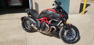 2013 Ducati Diavel Carbon - Awesome Condition with upgrades