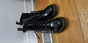 Dr Martens leather 1460 patent