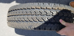 4 Pneus FIRESTONE TRANSFORCE H/TLT225/75R16 - 115/112R NEUF en p