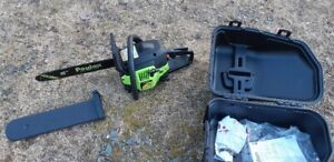 POULAN 38CC 15 INCH GAS CHAINSAW IN LIKE NEW CONDITION