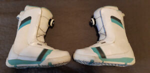 Womens Snowboarding boots Ride size 8.5