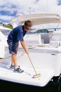 Volunteer labourer for sailing lessons