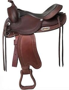 BOOK YOUR TREELESS WESTERN SADDLE FITTING