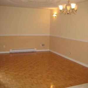 3 Bdr- Market Area- Ottawa University- Guigues Ave- May 1st