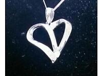 NEW White gold diamond heart pendant