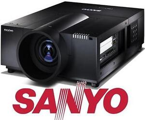 USED SANYO LCD PROJECTOR PROXTRAX MUTIVERSE PROJECTOR 107005312