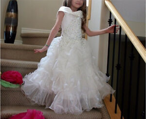 Beautiful party dress!!!!!!for girls