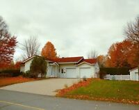 Belle Maison dans Roxton Pond/ Beautiful Home in Roxton Pond