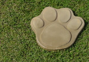 7In Dog Cat Paw Foot Print Concrete Plaster Footprint Stepping Stone Mold 1018