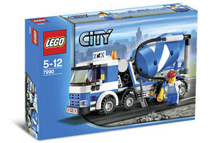 LEGO CITY 7990 Cement MIXER BRAND NEW SEALED retired set