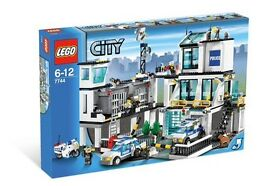 RARE - Large Lego City Police Station Headquarters 7744