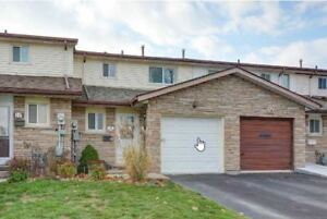 Beautiful 3 Bedroom townhouse for rent on Upper Stoney Creek