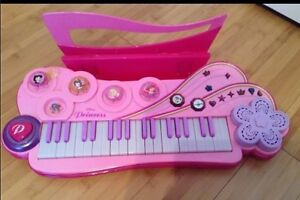 Princess keyboard Cornwall Ontario image 1