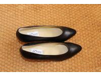 80's kitten Heels. Vintage Court Shoes UK4