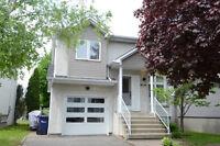 Maison impeccable à vendre à Laval