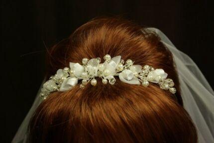 Pearl and Crystal Wedding Tiara Headpiece - Brand NEW