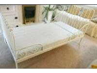 Ikea Extendable toddler single bed with matress