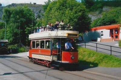 TRAM/BUS SOUTHAMPTON O/T PHOTO PHOTOGRAPH OF AN OPEN TOP CAR AT CRICH PICTURE.