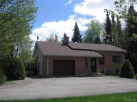 Une Belle Maison a Vendre Urgent!   A Beautiful House for sale.