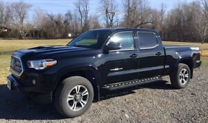 2016 Toyota Tacoma TRD SPORT 4X4 - V6 with UPGRADE Package