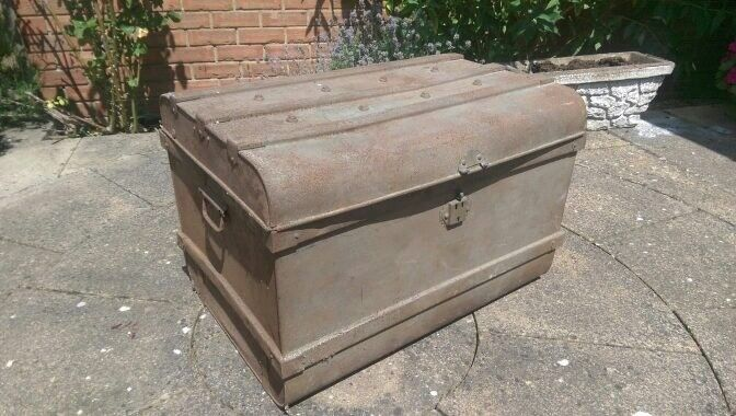 Good Vintage Metal Chest Metal Trunk Captains Chest Steamer Trunk Coffee Table