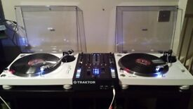 pioneer plx 500 turntable White X 2 Like New Condition