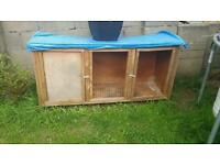 LARGE RABBITS CAGE/HUTCH