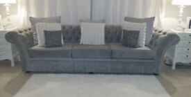 Stunning 4 & 2 seater Grey Chesterfield Sofas