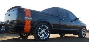 Low KMs!! 2005 Dodge Ram 1500 Custom!!