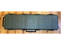 Pelican Peli-Case Model 1750 Rifle/Gun Case