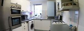 Croydon - NEWLY REFURBISHED 3 Bedroom/2 Bathroom flat! - GATED COMMUNITY
